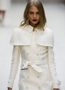 Manteau blanc Burberry