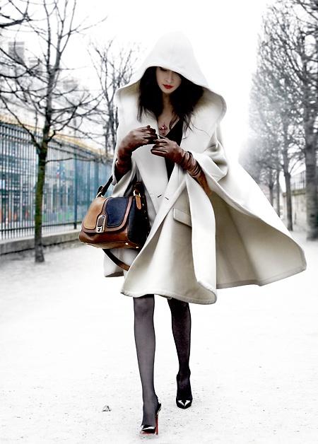 Manteau blanc capuche