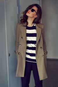 Pluie trench beige foncé pull rayure