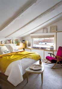 Chambre sous les toits jaune et rose Elle Espagne