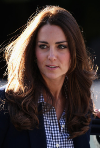 Kate Middleton - Chemisier Gap - Blazer Zara