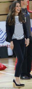 Kate Middleton - J Brand jeans - Ralph Lauren Marinière - Smythe Blazer