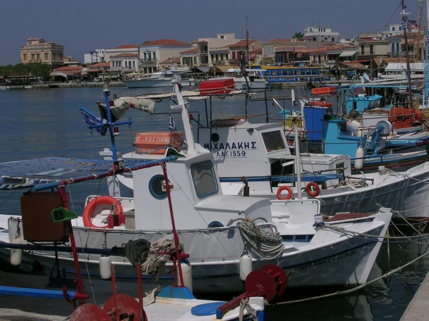 Egine port