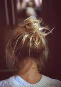 Coiffure Chignon blond