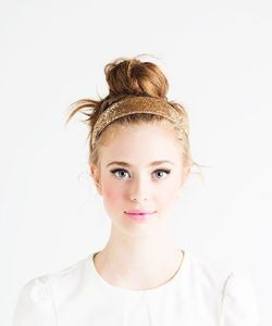 Coiffure head band bun