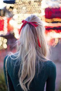 Coiffure noeud rouge