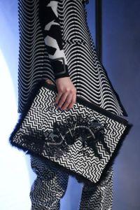 Pochette Kenzo Noir et blanc Fall14