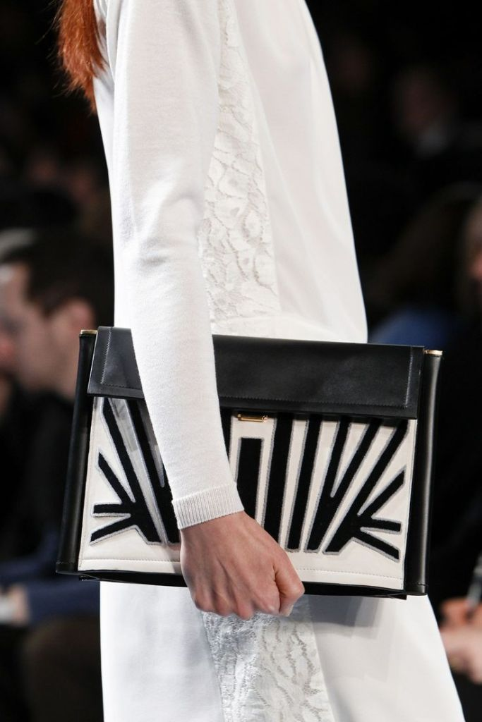 Pochette Noir et blanc Nina Ricci Fall 2014
