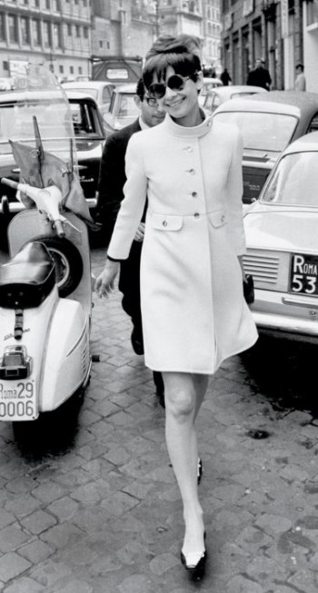 scooter.audrey-hepburn-rome-style-ss14