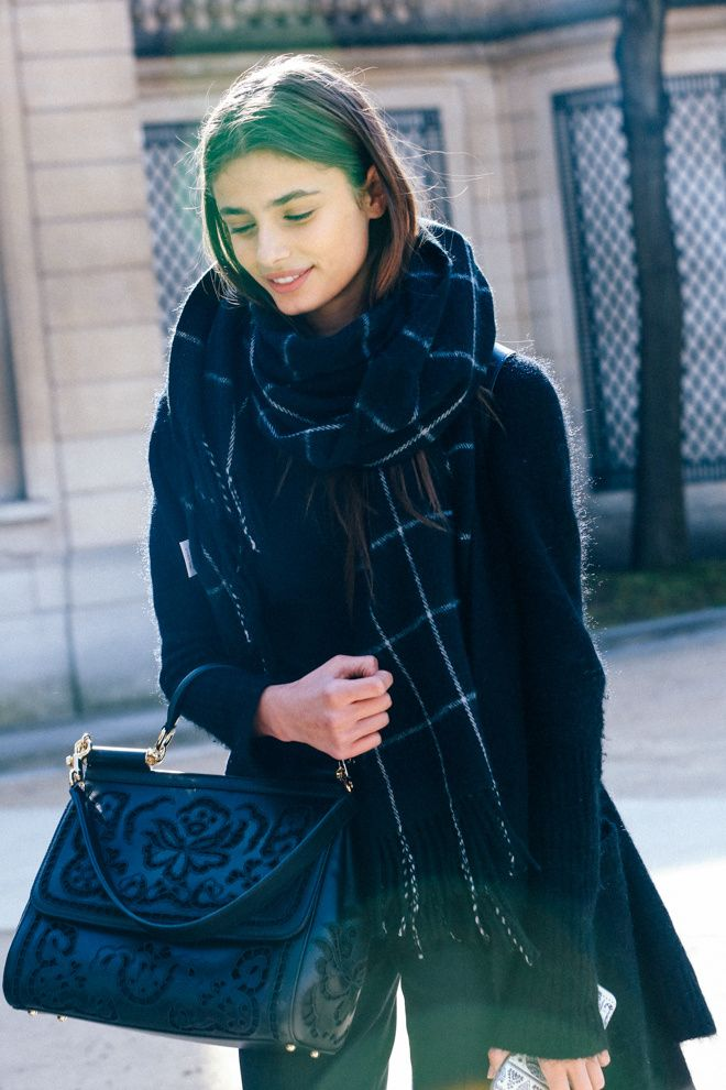 Echarpe Carreaux-Street look - Vogue.fr