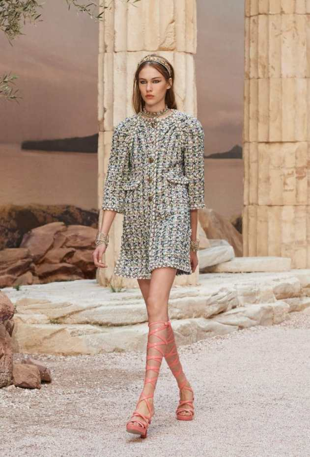 Chanel Cruise look35Chanel-694x1024